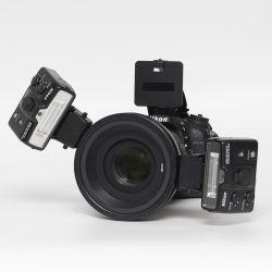 Kit Nikon D7200 + Sigma 105/2,8 + flash Nikon R1